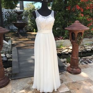 David's bridal wedding dress style mk3747 beaded